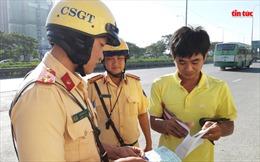 CSGT TP Hồ Chí Minh tước 408 bằng lái xe sau 5 ngày ra quân
