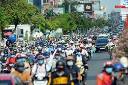 Nhiều tuyến đường TP Hồ Chí Minh ùn tắc trong ngày đi làm đầu tiên sau kỳ nghỉ lễ