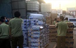 Phát hiện kho hàng chứa số lượng lớn bia, sữa nhập lậu