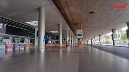 Nhà ga quốc tế sân bay Tân Sơn Nhất vắng chưa từng thấy