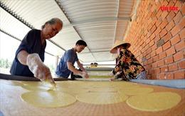 Nghề làm bánh phồng sữa-đặc sản xứ dừa Bến Tre