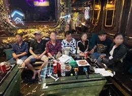 'Đột kích' karaoke Alibaba, phát hiện 20 'dân chơi' dương tính với ma túy