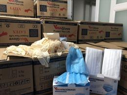 TP Hồ Chí Minh tạm giữ hàng triệu chiếc khẩu trang và găng tay kém chất lượng