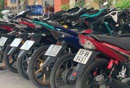 Bắt hàng chục 'quái xế' tụ tập, đua xe trước trường ĐH Nông Lâm TP Hồ Chí Minh