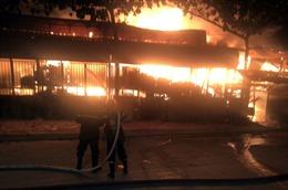 TP Hồ Chí Minh: Đã dập tắt đám cháy tại xưởng gỗ ở quận 12