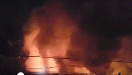 Cháy lớn bãi xe ở thành phố Thủ Đức