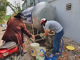 Cả nghìn người dân chung cư lao đao vì mất nước mấy ngày liền