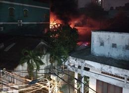 Cháy lớn công ty nhựa ở TP Hồ Chí Minh