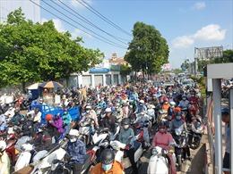 CSGT lý giải nguyên nhân ùn tắc 'không lối thoát' trên đường Trường Chinh, TP Hồ Chí Minh