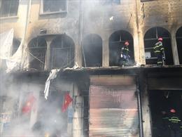 Cháy lớn ở trung tâm TP Hồ Chí Minh, 4 người bị thương