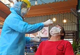 Lấy mẫu xét nghiệm COVID-19 ngẫu nhiên ở nhiều quán nhậu tại TP Hồ Chí Minh