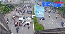 Đường phố TP Hồ Chí Minh đông đúc trở lại, dù vẫn đang trong thời gian giãn cách xã hội