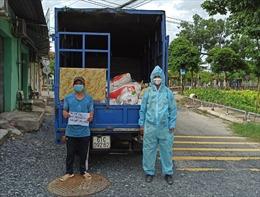 TP Hồ Chí Minh: Phát hiện xe tải chở 700 con gà chết qua chốt kiểm soát