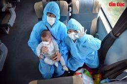 TP Hồ Chí Minh: Chuyến tàu 'đặc biệt' đưa bà bầu, trẻ em và người già về Quảng Bình