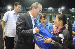 TP Hồ Chí Minh lo Tết cho công nhân, sinh viên ở lại