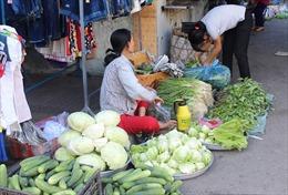 Giá rau củ quả tăng nhẹ ngày cận Tết