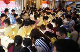 Đổ xô mua vàng ngày vía Thần Tài tại TP Hồ Chí Minh