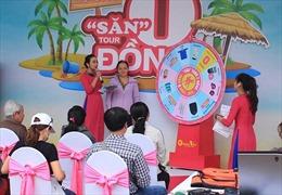 """Người dân TP Hồ Chí Minh đổ xô đi 'săn"""" tour du lịch giảm giá 50%"""