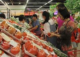Giá rau xanh tăng mạnh do vùng trồng rau Đà Lạt bị thiệt hại do mưa lũ