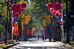 TP Hồ Chí Minh thanh vắng trong sáng mùng 1 Tết