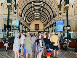 Tháng 2 lượng khách quốc tế đến TP Hồ Chí Minh giảm hơn 50%