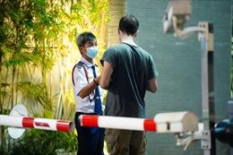 TP Hồ Chí Minh hạn chế đi lại ở nhiều chung cư cao cấp vì có người mắc COVID-19