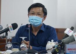 TP Hồ Chí Minh chưa thực hiện giãn cách xã hội sau 2 ca bệnh 449 và 450