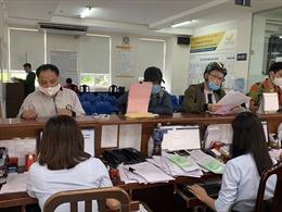 Dịch COVID-19: TP Hồ Chí Minh tiếp tục chi trả lương hưu, trợ cấp qua bưu điện