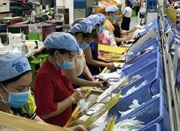 Hỗ trợ mua BHYT cho 198 nữ công nhân sắp sinh bị nghỉ việc