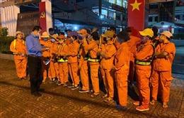 TP Hồ Chí Minh thăm hỏi, động viên công nhân vệ sinh làm việc xuyên Tết