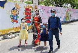 TP Hồ Chí Minh kêu gọi người dân ăn Tết tại nhà, hạn chế đi lại để phòng dịch COVID-19