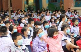 Học sinh, sinh viên TP Hồ Chí Minh được nghỉ đến ngày 28/2