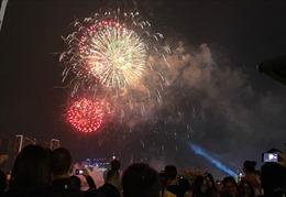 TP Hồ Chí Minh: Dừng bắn pháo hoa, bắt buộc đeo khẩu trang tại nơi tập trung đông người