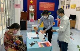 TP Hồ Chí Minh: Đến 13 giờ, tỷ lệ cử tri đi bỏ phiếu bầu cửđạt trên 72%