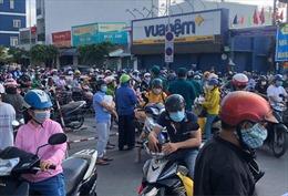 Sáng 31/5, giao thông hỗn loạn trước các chốt chặn vào quận Gò Vấp