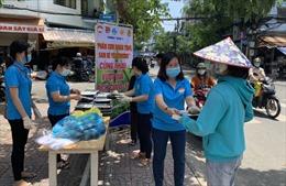 TP Hồ Chí Minh chi 886 tỷ đồng hỗ trợ người dân bị tác động do dịch COVID-19
