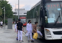 TP Hồ Chí Minh hỗ trợ thành phố Đà Nẵng đón người dân về quê