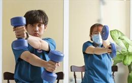 Bài tập thể dục phục hồi chức năng phổi cho bệnh nhân sau mắc COVID-19