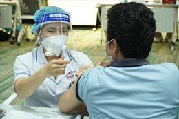 TP Hồ Chí Minh: 350.000 người lao động được tiêm vaccine phòng COVID-19