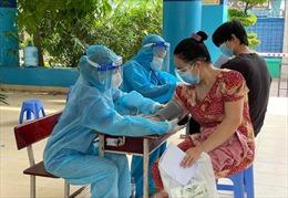 Nỗ lực chiến thắng COVID-19 của F0 - Bài cuối: Khỏi bệnh, tình nguyện đi chống dịch