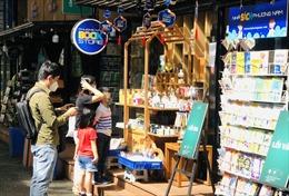 Đường sách TP Hồ Chí Minh ngày đầu mở cửa trở lại