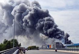 TP Hồ Chí Minh: Cháy lớn ở khu công nghiệp Hiệp Phước