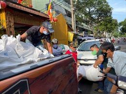 Những nghĩa cử cao đẹp trong mùa dịch tại TP Hồ Chí Minh