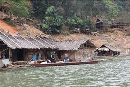 Nhiều hệ lụy từ việc người dân tái định cư thủy điện Bản Vẽ quay về vùng lòng hồ