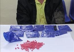Bắt quả tang tàng trữ gần 2.000 viên ma túy tổng hợp
