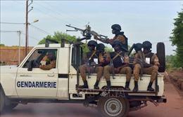 Các phần tử thánh chiến cướp bóc, giết hại 14 người tại Burkina Faso