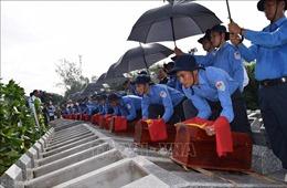 Truy điệu, an táng 99 hài cốt liệt sỹ quân tình nguyện hy sinh tại Campuchia