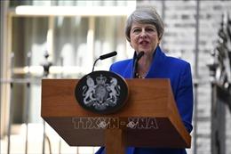 Thủ tướng Anh Theresa May đệ đơn từ chức lên Nữ hoàng Elizabeth II