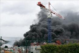 Cháy tại nhà máy hóa chất ở Pháp, lo ngại nguy cơ ô nhiễm sông Seine