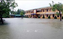 Nhiều trường học phải hoãn lễ khai giảng do mưa lũ